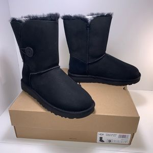 Ugg Women's Bailey Button II Boot Black Size 9